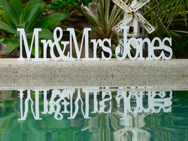 Custom Wooden Wedding name  - Mr&Mrs Surname  (GEORGIA FONT)