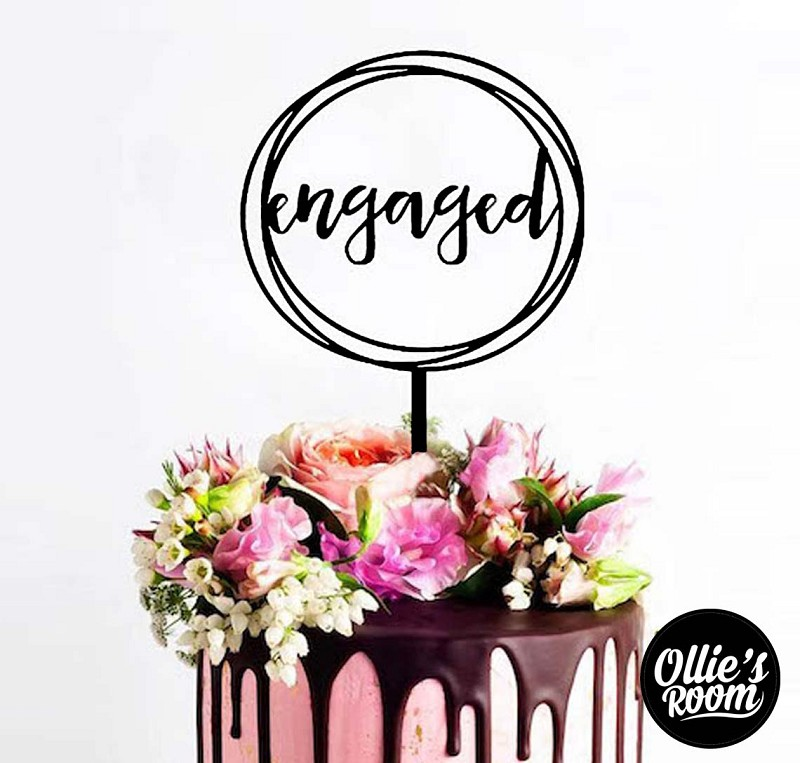 Engagement Cake Topper - Engaged Wreath